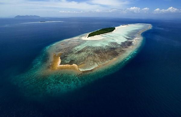 马达京彩瑚潜水度假村