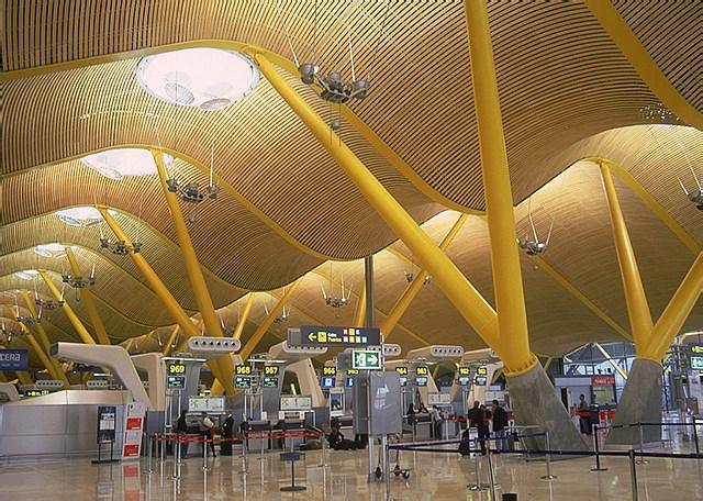 西班牙馬德裡巴拉哈斯機場