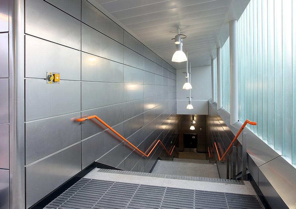 电梯铝墙板1024.jpg