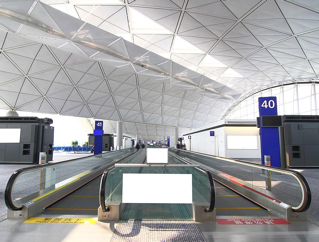 机场广告牌图片1024.jpg