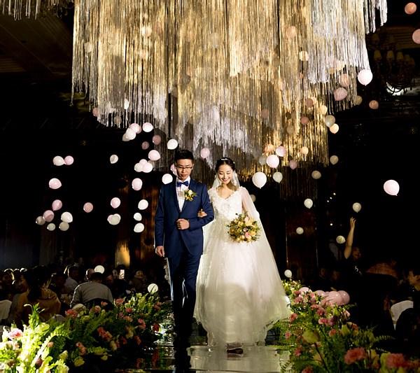 尺渡婚礼跟拍系套系